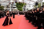 Lý Nhã Kỳ đổi trong cách quý phái trong ngày thứ 3 ở Cannes 2018