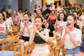 Xem World Cup thôi mà dàn thí sinh Hoa hậu Việt Nam cũng đẹp như hoa