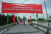 Nhịp cầu nối những niềm vui cho người dân xã Vĩnh Tri (Long An)