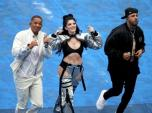 Ca sĩ Era Istrefi hát bế mạc World Cup 2018 bị chỉ trích vì mặc quần như không