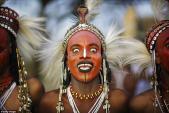 Kỳ lạ: Nơi đàn ông tự hào vì đẹp trai, phụ nữ được lấy nhiều chồng