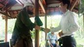 Du khách Mỹ bất ngờ nhận lại tài sản bị rơi ở Phong Nha - Kẻ Bàng