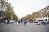 Champs- Élysées trở thành phố đi bộ trong ngày Car-Free Day