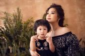 Mới 2 tuổi, con gái của Á hậu Diễm Trang tạo dáng chuyên nghiệp không kém mẹ