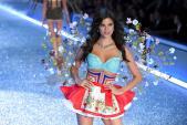Vé xem Victorias Secret Show được bán đấu giá 25000 USD