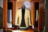 Giovanni trình làng thiết kế blazer bằng vải sen quý hiếm