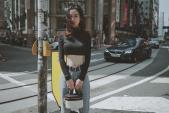 Street style giới trẻ: Sĩ Thanh bất ngờ kín đáo - Thúy Vi một mực giữ phong cách già chát