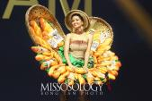 """Trang phục """"Bánh mỳ"""" của Việt Nam lọt top 10 bình chọn của Missosology"""