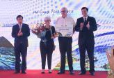 Đón vị khách thứ 15 triệu đến Việt Nam