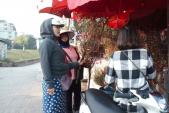 Giáp Tết Kỷ Hợi 2019: Đào nở sớm bán đầy chợ, không khí xuân đã về