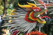 """Mãn nhãn tác phẩm hình rồng """"khổng lồ"""" được tạo từ 1,2 tấn hoa quả ở Hà Nội"""