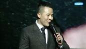 Vũ Khắc Tiệp vồ ếch khiến MC bật cười trong show nội y Đêm hội chân dài cuối cùng
