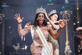 Đăng quang Hoa hậu Chuyển giới 2019, bom sex nước Mỹ trở nên kín đáo lạ thường nhưng vòng 1 vẫn không ngừng gây ngộp thở