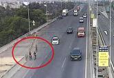 Vô tư đạp xe vào cao tốc TP.HCM - Long Thành hóng gió