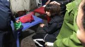 Truy bắt kẻ bịt mặt dùng súng cướp tiền tại chợ Long Biên