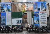 Metro Sài Gòn dừng thi công hơn 2 tuần vì xây khách sạn gây sụt lún