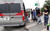 Phụ xe ném hành lý, đuổi khách xuống giữa đường