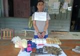 Bắt người nước ngoài vận chuyển 12.000 viên ma túy, 180 viên đạn
