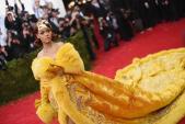 Câu chuyện đằng sau những bộ trang phục hoành tráng tại Met Gala