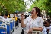 Xe buýt 2 tầng sắp chở khách vòng quanh nội thành Sài Gòn