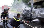 Cháy xe khách trên quốc lộ, cậu bé 14 tuổi thiệt mạng