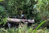 2 người chết, 18 hành khách bị thương khi ôtô rơi xuống vực 30 m