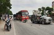Innova bẹp dúm sau vụ 4 ôtô tông liên hoàn ở Thanh Hóa