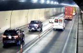 Camera ghi hình đoàn xe vượt ẩu trong hầm Hải Vân