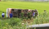 Xe buýt lao xuống ruộng, một nữ hành khách tử vong