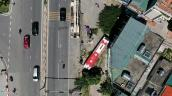 Hiện trường vụ xe giường nằm tông 2 người chết gần cầu Bãi Cháy