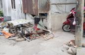 Xe ba gác tông vào quán cơm, bé trai 6 tuổi tử vong