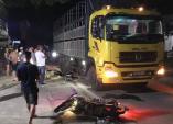 Xe Exciter chở ba tông vào đuôi ôtô tải, 2 người tử vong