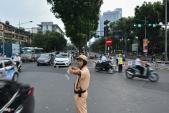 Rào chắn thêm nửa đường Kim Mã, giao thông giờ tan tầm lộn xộn
