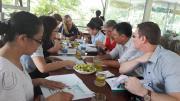 NutiFood mời giáo sư hàng đầu của Úc hỗ trợ dinh dưỡng cho học viện bóng đá