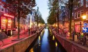Hà Lan hạn chế du khách vào khu đèn đỏ vì không tôn trọng gái mại dâm