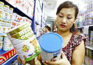 Cảnh báo rủi ro khi mẹ Việt chọn sữa ngoại cho con
