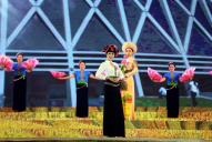 Ngắm sắc phục rực rỡ các dân tộc tỉnh Điện Biên