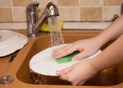 4 mẹo giúp tìm lại đôi tay mịn như em bé sau những lần da khô ráp vì rửa chén