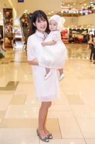 Bí quyết làm đẹp khi mang bầu, chăm con của vợ Lý Hải